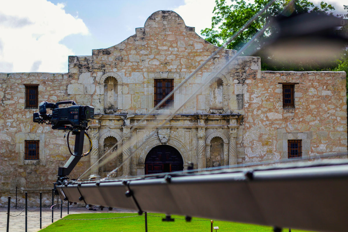 jib operator at the alamo - jimmy jib - alamo jibs