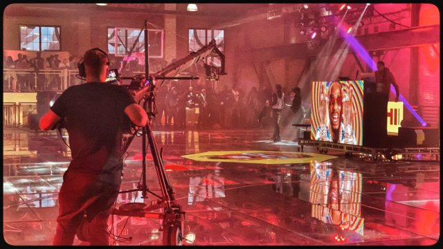 One of our jib ops in action on the dual-level glass court during #AllStar Weekend in #Chicago.  Bleacher Report #BRChi